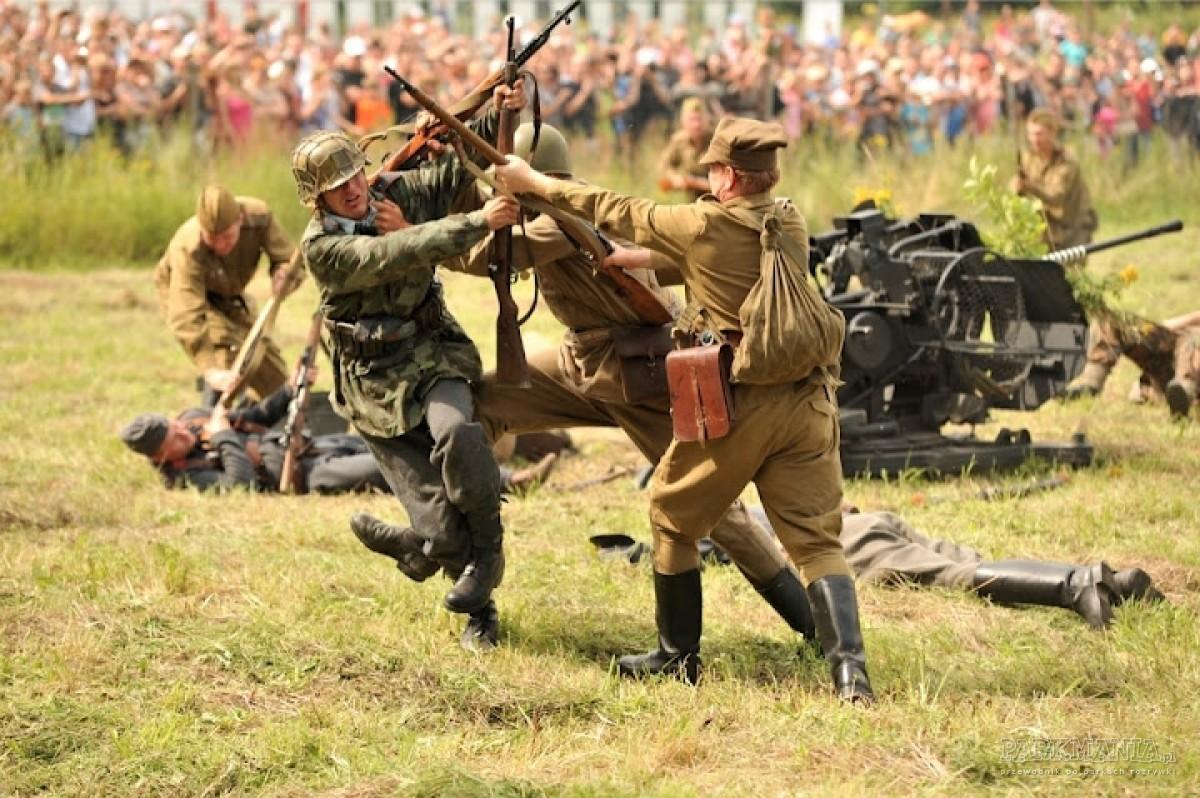 Walkiria 2012 - kolejny piknik historyczny w Gierłoży