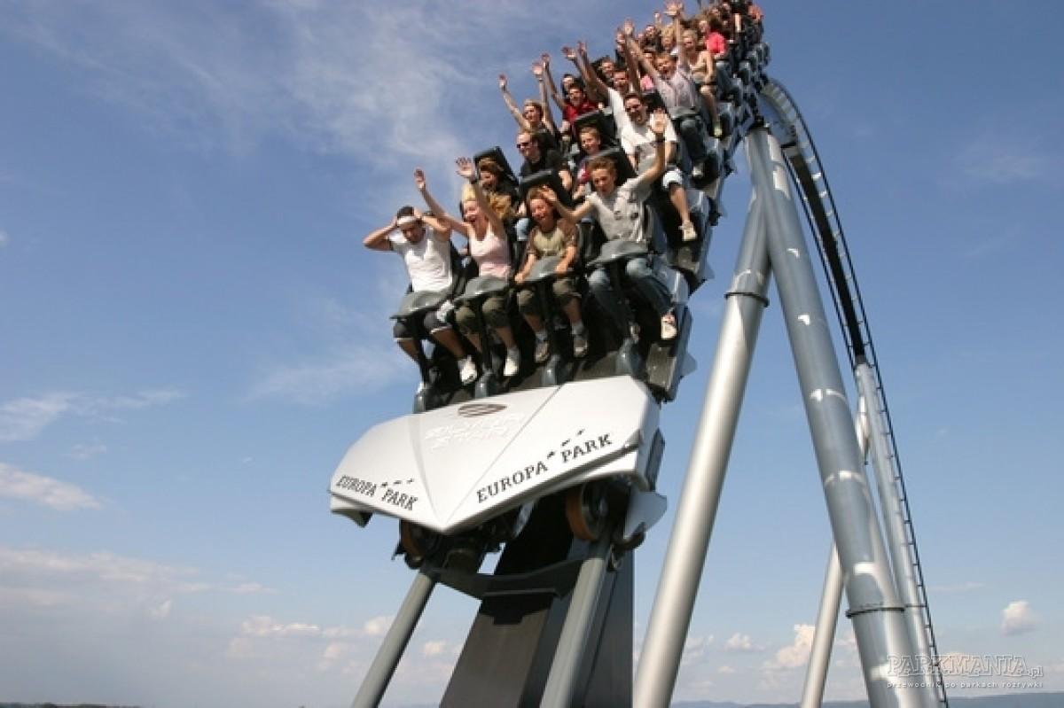 Polacy coraz chętniej odwiedzają europejskie parki rozrywki