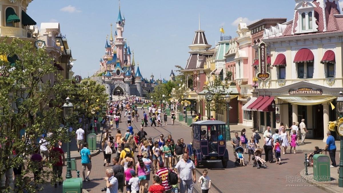 Disneyland Resort Paris – co dokładnie wchodzi w jego skład?