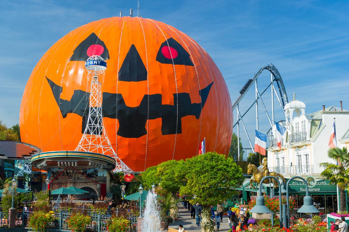 Zobacz, jak europejskie parki rozrywki przygotowują się do Halloween