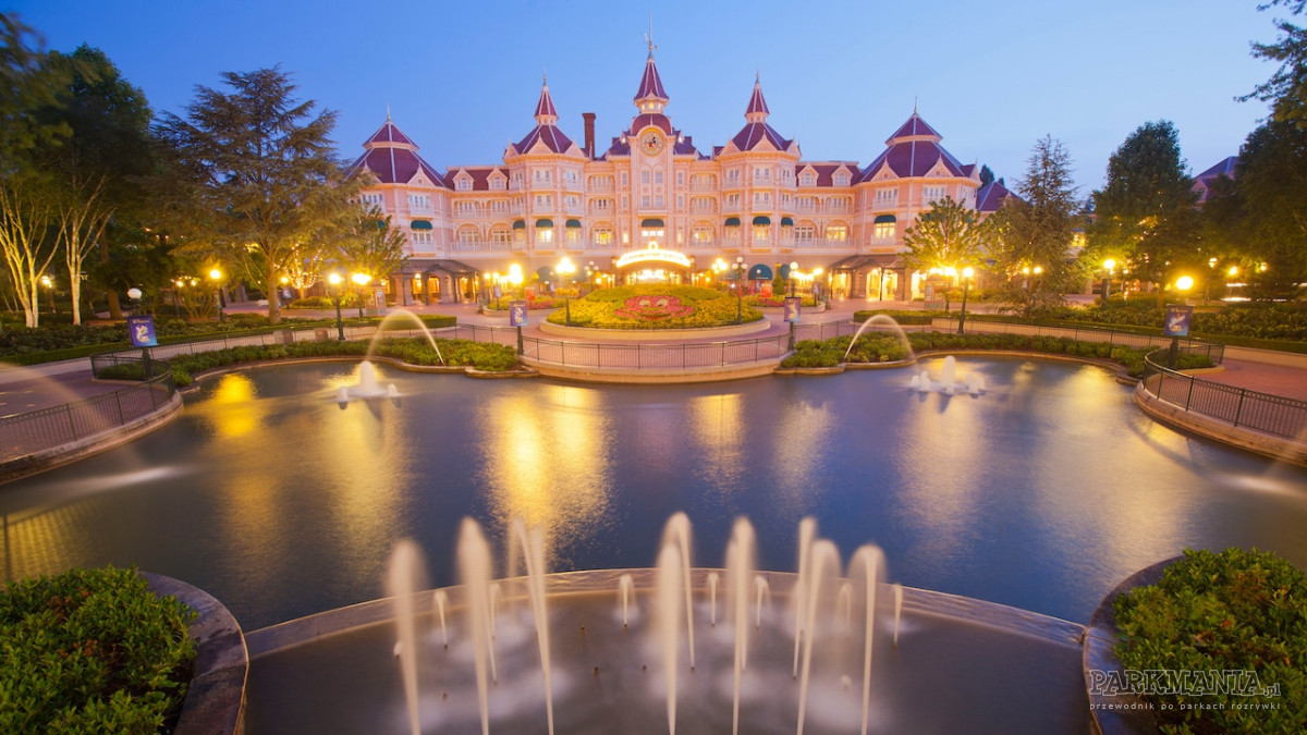 Noc w Disneylandzie? Zobacz, dlaczego warto wybrać nocleg w hotelu Disneya