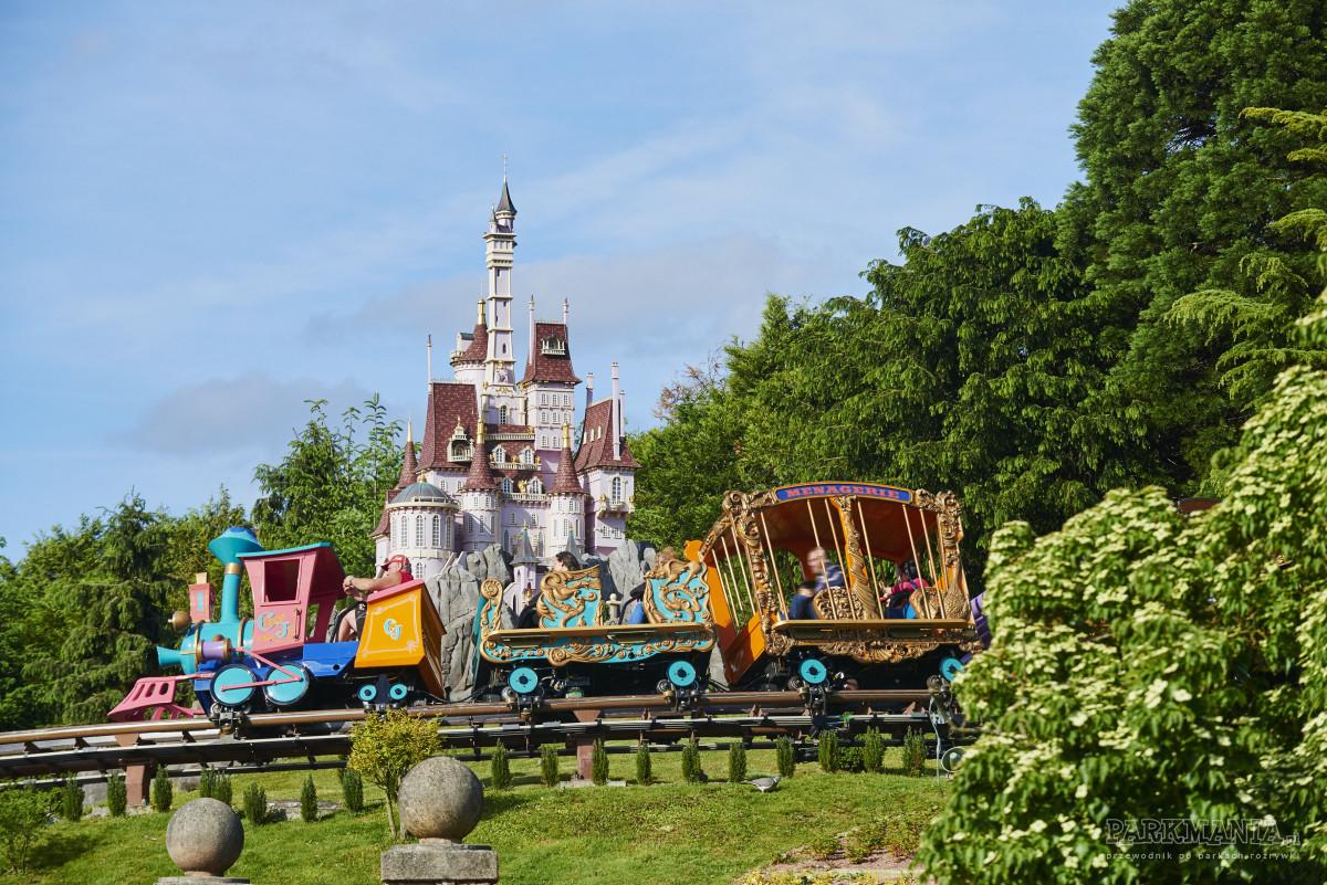 Jak zaoszczędzić na biletach do Disneylandu? Co się najbardziej komu opłaca i kiedy?