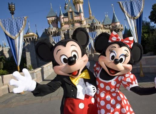 Znalezione obrazy dla zapytania Disneyland w USA